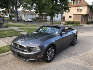 2014 Ford Mustang convertible for Sale in Dearborn, MI