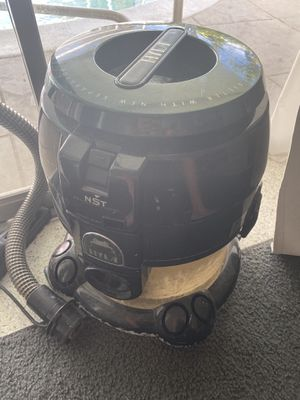 hyla vacuum cleaner for Sale in Fort Lauderdale, FL