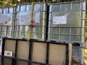 250 gallon pressure washing portable water tank for Sale in Snellville, GA