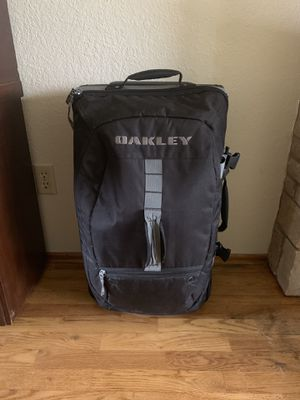 Oakley Rolling Duffle bag / Suitcase for Sale in Tacoma, WA