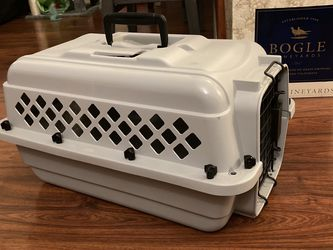 Cat Or Small Dog Carrier- Perfect Condition for Sale in San Diego,  CA