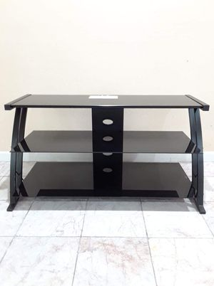 """Tv stand 42"""" for Sale in Phoenix, AZ"""