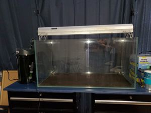 UNS 90P - 44 GALLON ULTRA CLEAR RIMLESS AQUARIUM. for Sale in Honolulu, HI