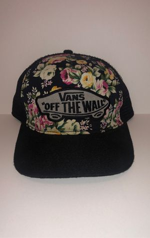 Vans off the wall floral hat for Sale in Richmond, KY