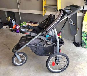 Graco Jogging stroller for Sale in Yorktown, VA