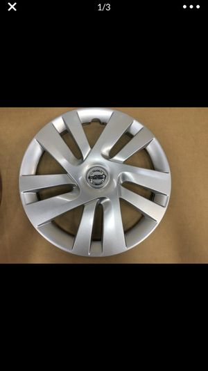 "(1) Nissan NV200 15"" hubcap wheel cover NV 200 tapa de goma llanta Hub Cap for Sale in Hialeah, FL"