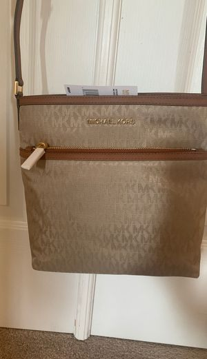 Michael Kors Messenger bag for Sale in Mokena, IL