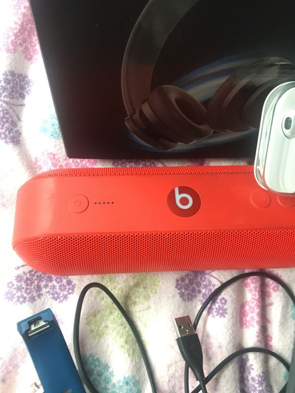 Beats pill +, Panasonic lumix x60 zoom, iPod gen 7 16 gigs , fitbit charge 2's and more !! (Everything must go by tmr!!)
