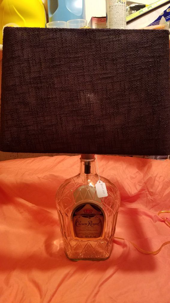 3 liter Crown Royal Fine De Luxe Canadian Whiskey bottle lamp