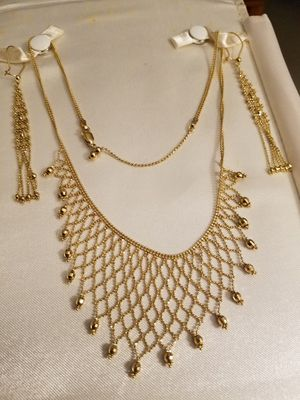 14 K Gold necklace and earrings. 18 inches long . Like new. for Sale in Keysville, VA