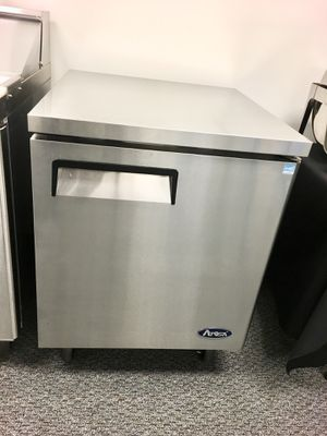 Under counter work top single door commercial refrigerator cooler for Sale in Kent, WA