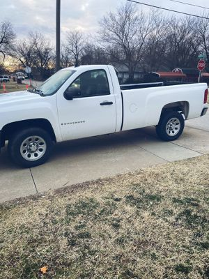 2008 Chevy Silverado 1500 single cab long bed for Sale in Tulsa, OK