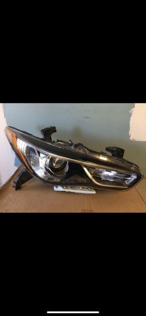 2019 2020 Infiniti QX60 Passenger Head Light headlight ( Parts ) for Sale in Sugar Land, TX