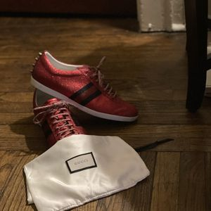 Gucci Men Glitter Sneakers for Sale in Waterbury, CT