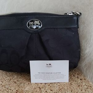 Coach Wristlet, Black for Sale in Rye, NY