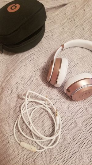 Beat by Dre Solo3 Wireless Headphones - Rose Gold for Sale in Fort Campbell, KY