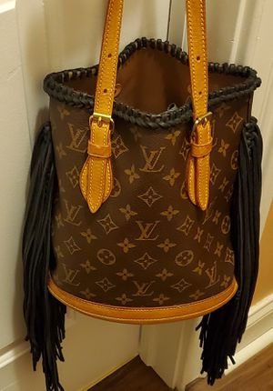 Custom Louis Vuitton Hobo for Sale in Cleveland, OH