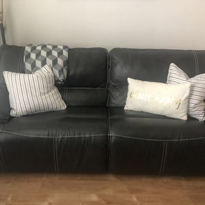 Leather couch Power for Sale in Portland, OR