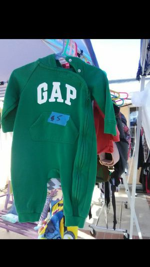 Gap wear$5 size 6-12 mo for Sale in Moreno Valley, CA