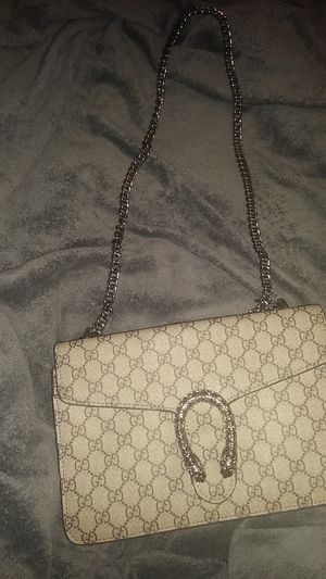 Gucci - Dionysus GG Supreme Chain Wallet for Sale in Chicago, IL