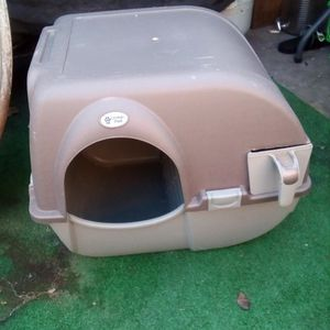 Kitty Litter Box Complete Information Ventilation $18 for Sale in Fresno, CA