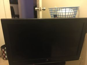 32 inch Westinghouse smart tv for Sale in Cleveland, OH