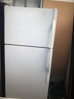 Apartment zise refrigerator for Sale in West Palm Beach, FL