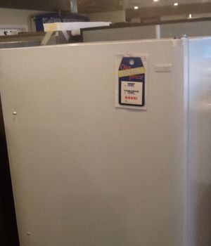 New open box frigidaire full refrigerator for Sale in Hawthorne, CA