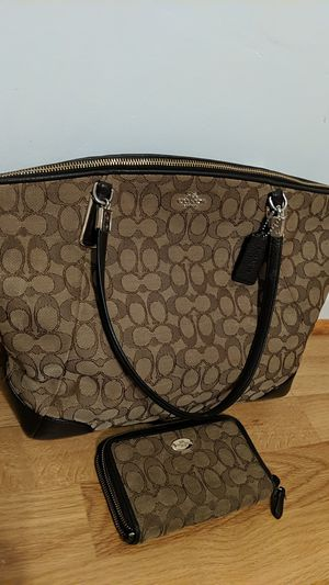 Coach purse for Sale in Herndon, VA