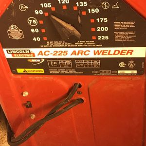 Lincoln Electric Welder (225 ARC) for Sale in Gresham, OR