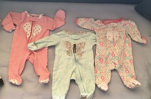 Premium baby zipped clothes onsies pyjamas and play suit for Sale in Miami, FL