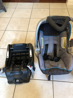 Baby car seat for Sale in Ardmore, AL