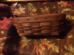 Longaberger basket. Only one handle. Dated 1991.$10 for Sale in Whitehall, OH