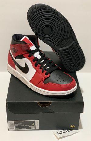 DS Jordan 1 Mid Chicago Black Toe Size 7.5 - $200 for Sale in Montebello, CA
