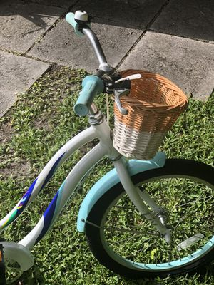 Girl and Boys Kids bikes. Giant Brand. $150 for the pair. Like new. for Sale in Miami, FL