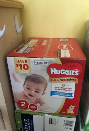 Huggies Little Snugglers size 2 186ct for Sale in Bristol, CT