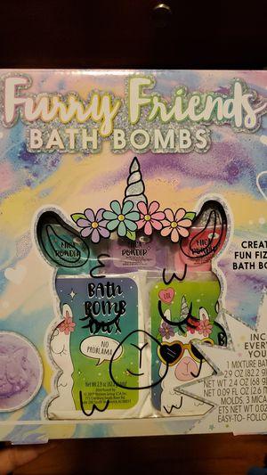 Furry friends bath bomb kit for Sale in Mechanicsburg, PA