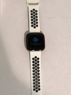 Fitbit Versa 2 Smartwatch (Petal/Rose Gold) (S/L) for Sale in Kissimmee, FL
