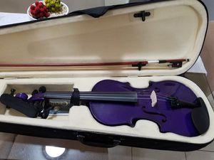 violin color purpura nuevo solo se uso 1 vez for Sale in Miami, FL