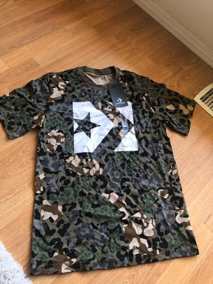 Camo extra small converse shirt for Sale in Kirkland, WA