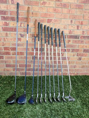 Golf Clubs Set (Right Handed) for Sale in Denver, CO