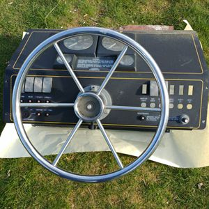 Boat Parts Trophy Console for Sale in Enumclaw, WA