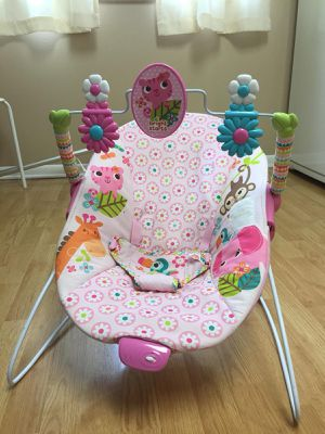 Baby's chair with massage for Sale in Coral Springs, FL