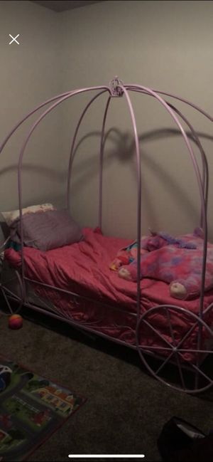 Lilac purple princess carriage bed frame for Sale in Helena, MT