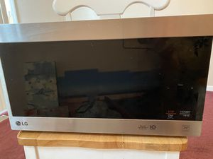 LG Microwave 1100 watts for Sale in Toledo, OH