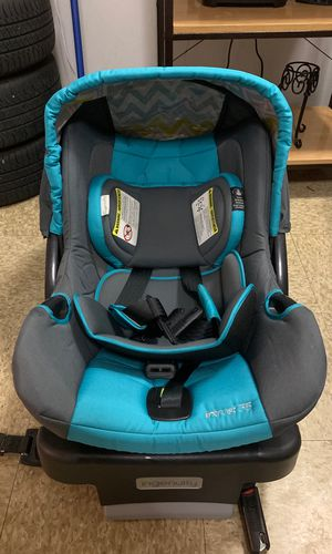 Car seat for Sale in Harrisburg, PA