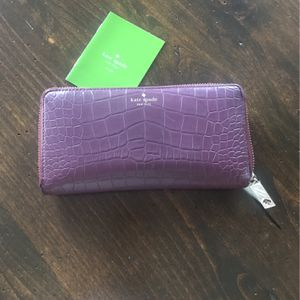 Kate Spade Leather Wallet for Sale in Scottsdale, AZ