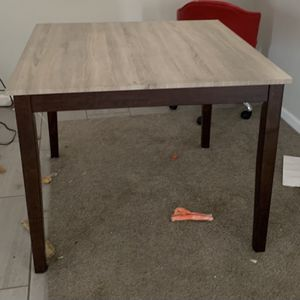 Table & 4 Chairs for Sale in La Presa, CA