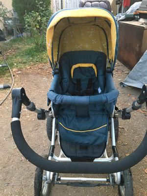 BumblerQueen B stroller for Sale in San Bernardino, CA