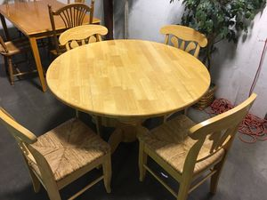 Kitchen table and chairs. for Sale in Atlanta, GA